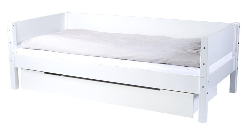 Juniorseng REX med sengeskuffe fra Manis-h møbler.