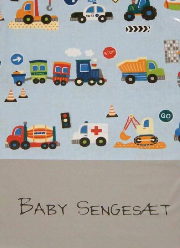05d00b9b926 Babylinned biler, lyseblå - Sejt sengetøj til seje små drenge