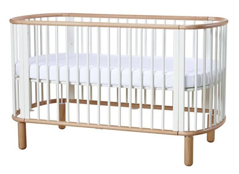Fabelagtigt Babyseng - Juniorseng - FLEXA - Hvidt design med bøg. 1 seng i 5  WL02